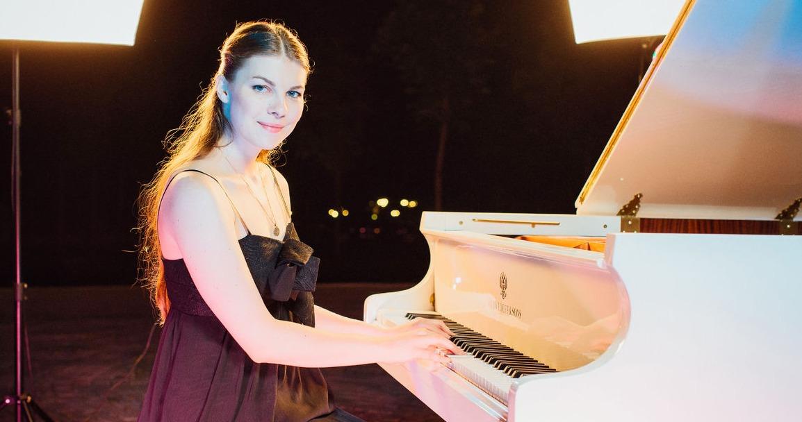 Елизавета Фролова пианистка